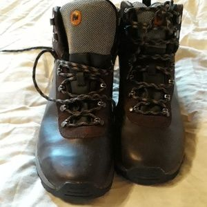 MERRELL Mens hiking boots